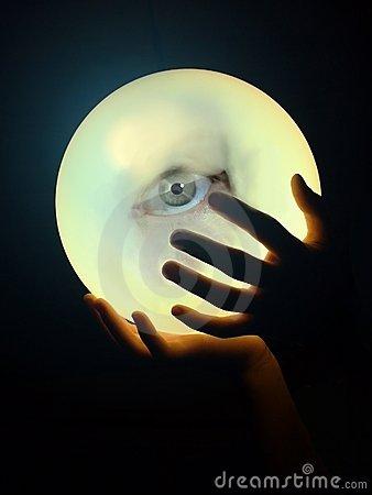 crystal-ball-eye-3536625
